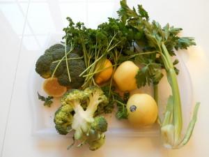 Voici ce qui reste de mes courses une fois retiré les ingrédients pour faire un jus vert