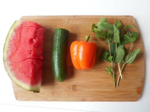 jus-de-pastèque-poivron-concombre-menthe-1