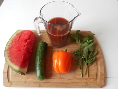 jus-de-pastèque-poivron-concombre-menthe-11